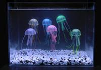 Дешевый Аквариум аксессуары-10см * 21см Искусственный Светящиеся медузы с Sucker Fish Tank аквариум украшения аквариума украшения аксессуары 6 цветов для выбора