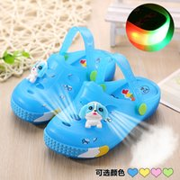 baby bears slippers - New children s sandals baby Sandy beach cartoon bear hole shoes cool bear with lamp crystal jelly slippers Yard E782