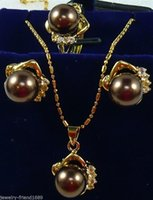 Wholesale gt gt gt Jewelry brown And gold mixed Shell Pearl Pendants Necklace