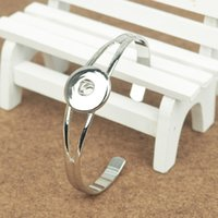 Wholesale Vintage silver plated metal snap charm bracelets and bangles for woman and man jewelry bangle fit for mm buttons