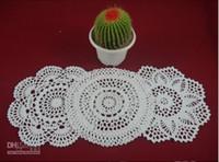 achat en gros de dessins appliques main-Vente en gros 100% coton fait à la main crochet doily table cloth 3 designs 11 couleurs personnalisé tasse rond 20-21cm crochet applique 30PCS / LOT zj003