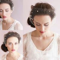 Wholesale Fashion Pearl Short Wedding Veils One Layer Romantic Bridal Veils with Pearls Cheap Classic Short Veils Charming Bridal Headdress Veils
