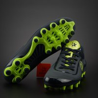 Wholesale The new style genuine foundation HG man grass training wear resistant short nail soccer shoes of God of war generation CR7 football shoes