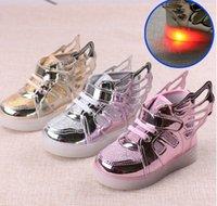 Enfants LED chaussures de mode nouvelles filles Sneakers Kids Angel ailes Led Eclairage Chaussures Enfant Casual Chaussures Athletic Baby Chaussures Luminous Flat 6133