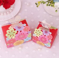 Wholesale Delicate Hollow Shape Candy Boxes For Wedding Butterfly Designs Wedding Favors Boxes Party Chocolate Candy Paper cm