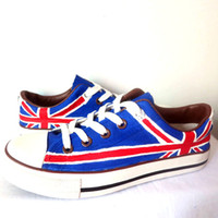Cheap Hot Sale Men Women British Flag Graffiti Shoes Low Top Lace-Up Style Union Jack Hand Painted Canvas Footwear for Boys Girls