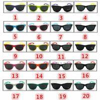 assorted sunglasses - 2016 New sunglasses women and men modern beach sunglasses assorted colors dazzle colour sunglasses Color matching fashion sunglasses
