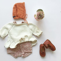 Wholesale Babys England Beige Knit Pullover Three Quarter Sleeve Girls Autumn Jumper Sweater INS Hot Girls Tops Floral Hollow Out Clothes