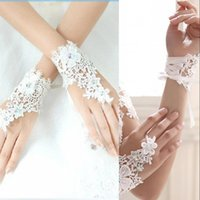 Wholesale Romantic Artificial Flowers Bridal Gloves Shinny New Fingerless Ring Beaded Bridal Gloves Cheap Bridal Wedding Accessories CPA548