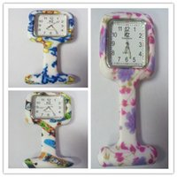 Wholesale Factory price hot Colorful Prints Silicone Nurse Pocket Watch Doctor Fob Quartz Watch Kids Gift Watches Fashion Patterns