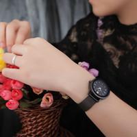 2016 Relojes de pulsera de las mujeres del nuevo oro del estilo simple Impermeabilizan los relojes de las señoras de la batería del cuarzo de la venda de acero los 230MM