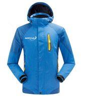 Wholesale Winter Windbreaker Jacket Men Hunting Clothes Outdoor Snowboard Sportswear Hooded Waterproof Outerwear Coat