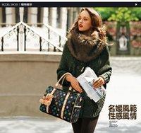 Wholesale New wave of European and American fashion leather handbags Mobile Messenger bag retro letters Boston leather handbags