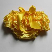 Bloomer caliente de la colmena del bebé de la venta para las muchachas que los muchachos amarillos calzan la cubierta recién nacida del pañal de Bloomer de la colmena del satén de Toddle del niño para la venta al por mayor