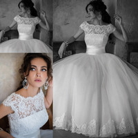 Wholesale Lace Sexy Wedding Dresses Women Bridal Bateau Party Floor Length Ball Gown With Short Sleeves
