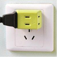 Wholesale A plug socket converter three travel converter portable electric socket g