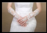 Wholesale In Stock New White Ivory Lace Gloves Bridal Fingerless With Crystal Wedding Bridal Gloves Gants Mariage Noir Wedding Hand Accessories Women