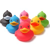 Wholesale New Animals Colorful Soft Rubber Float Squeeze Sound Squeaky Bath Toy Classic Rubber Duck Plastic Bathroom Swimming Toys