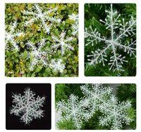acrylic flakes - 20Pcs Fashion Christmas Snow flakes White Snowflake Ornaments Holiday Christmas Tree Decoration Festival Party Home Decor