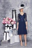 venda por atacado plus size mother of the bride-Barato Em armazém Azul marinho Renda Mãe da Noiva Vestidos joelho 3/4 longas festa de casamento da luva Vestidos de baile para Plus Size Mulheres J1218