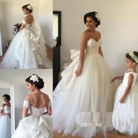 arm beach - 2016 Wedding Dresses with Detachable Train Sweetheart Beaded Bodice Spring Wedding Gowns Vintage Ball Gown Wedding Dress with Veil Arm Bands