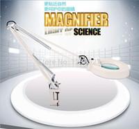 Venta al por mayor del envío gratis LED luces de brazo largo de encendido / apagado con clip plástico lámpara de mesa plegable con lupa 10X de la lupa óptica