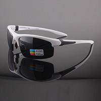 al por mayor sunglasses bike-Hombre polarizado gafas de sol TR90 Wraparound Confort gafas de conducción Pesca Bicicleta Ciclismo al aire libre deporte UV400 protección brazo blanco