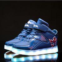 Precio de Zapatos de hombre araña para niños-Zapatillas de deporte de los niños de los colores de la manera 7 calza a los niños LED USB que carga los zapatos luminosos del muchacho / de la muchacha del hombre araña