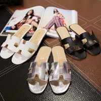 Wholesale New summer fashion flat sandals and slippers women slippers large size shoes three color options