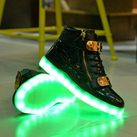 Chaussures blanches chaudes Prix-2016 Hot Sale Chaussures High Top LED pour Hommes Femmes Blanc Noir Glowing Sneakers Light Up Chaussures plates Chaussures Luminous