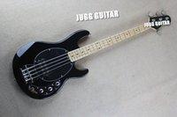 Music Man 4 Cuerdas Bajo Ernie guitarra eléctrica de la bola de la pastinaca Negro Negro Pickguard de la batería de 9V Pastillas activas envío de la gota