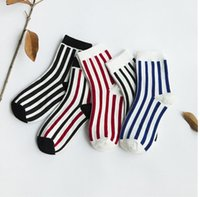 Wholesale A couple of male and female cotton socks neutral retro vertical stripes in tube of adult leisure sports socks in autumn and winter