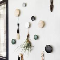 Wholesale Natural wood Wall mushroom robe hooks home decoration wall hanger with nail natural oak wood circle hook dots hook gifts