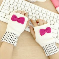 Wholesale 2016 NEW Fashion Winter Women Fingerless Gloves Knitted Mitten short Half finger Gloves Christmas Women s Accessories
