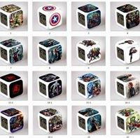 Nuevos regalos de Navidad animado Avenger The Avengers LED que brilla intensamente colorido Cambio Digital despertador luz de la noche para suministros de cumpleaños de los niños