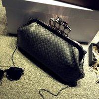 Wholesale Fashion personality punk skull ring woven stripe pu leather clutch evening bag chain shoulder bag ladies handbag purse wallet