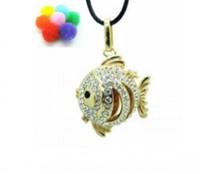 achat en gros de pendentifs poissons rouges-Gold plaqué Goldfish Cage Locket Collier Huile essentielle de parfum Aromathérapie Diffuseur, creux Cage Filigree Ball Box pendentif médaillon