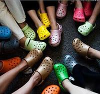 garden clogs shoes - New unisex Men women eva sandals Shoes Breathable Hollow Out Flip Flops rubber garden shoes or clogs hole EVA Sandals