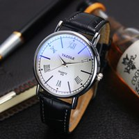 Wholesale New Design Fashion Men Leather Band Analog Quartz Business Wrist Watch
