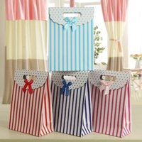 Wholesale 120pcs Factory Stripe Printing Gift Bags Festival Fashion Candy Bags Birthday Gift Bag Packing Bags With Handle Package Case