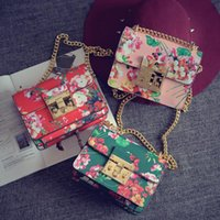 Wholesale 2016 Fashion Retro Elegant Colorful Flower Shoulder Bag Mini Bags for Women Handbag Foral Bags Gift Luxury Crossbody Bag
