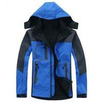 Wholesale High quality Winter outdoor Spring Hiking Jacket Men Windstopper Softshell Jacket Men Waterproof Windproof Outdoor Sport Jacket