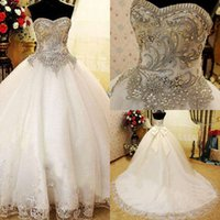 amazing knots - 2016 Amazing Luxury Wedding Gowns Sweetheart Backless Crystals Beads Bow Knot Vinatge Lace Applique Cathedral Bridal Dresses