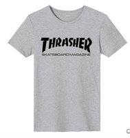 al por mayor fábrica de camisas hombre-Venta de descuento de fábrica! Thrasher Camiseta de Thrasher de la llama de la llama de los hombres Camisetas de Thrasher de la llama de la revista del monopatín del palacio Tops Baskeball