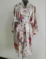 Wholesale Silk Satin Wedding Bride Bridesmaid Robe Floral Bathrobe Short Flower Kimono Robe Fashion Dressing Night Gown For Women