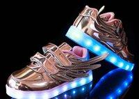 2016 NOUVEAU les enfants de style USB chargeant la lumière de LED badine la danse de boîte de nuit danse des chaussures des hommes et des femmes de mode de chaussures ailes