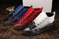 Precio de Designer brand name men shoes-Nuevas ventas calientes Marca atractivo de la manera de calidad superior de los planos de diseño zapatos de los hombres atan para arriba zapatos casuales para hombre Zapatos hombres Botas