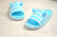 plastic slippers - Summer Men Non Slip Heavy Bottomed Indoor Bathroom Cute Plaid Stripe Plastic Soft Soled Sandals Home Slippers WA0034