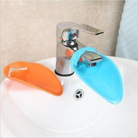 Wholesale HOT SELLING Durable Kid Toddler Baby Creative Leaves Faucet Extender Children Wash Their Hands Baby Aids Bathroom Kitchen Sink Faucet Guide