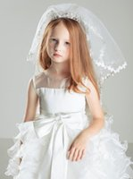 Wholesale New Fashion Girls Head Pieces Children Junior Bridesmaid Wedding Veils White Tulle Kids Accessories WITHOUT Crystal Crown Combs Cheap